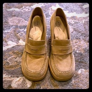 Dr. Scholl's tan suede wedge shoes Zenith
